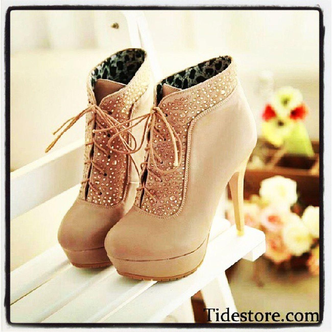 Ohne Worte - Einfach WOW! *-* Hammer Geile Schuhe  Willhaben glitzer beige high heels wow