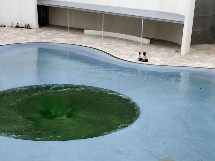 People Together Relaxing Relaxtime Relaxing Moments Water - Collection Architecture Photography Museums Museo Internacional Del Barroco Mother And Son Urban Life City Life Urban People