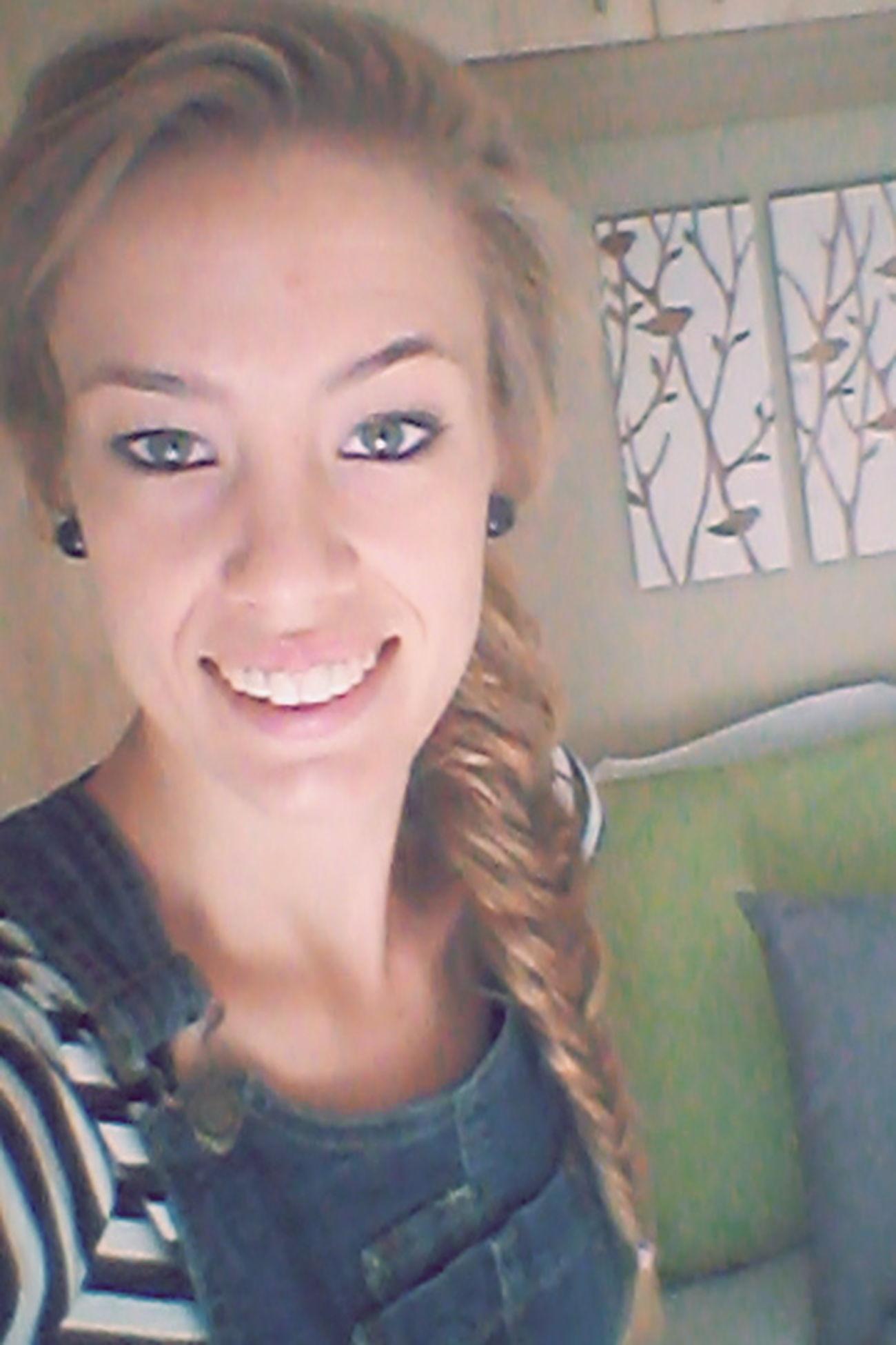 Fishtail Braid Braided Hair Girl Selfie