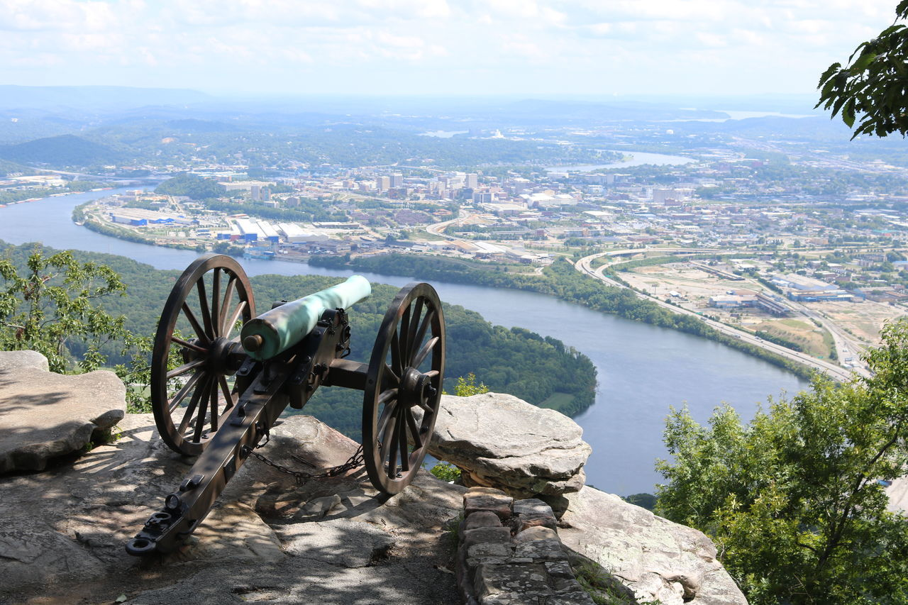 Cannon Chattanooga Tennessee Lookout Mountain Lookout Mountain Tn Mountain Mountain View Point Park Chattanooga, Tennessee River River View Rock Roots Roots Of Tree