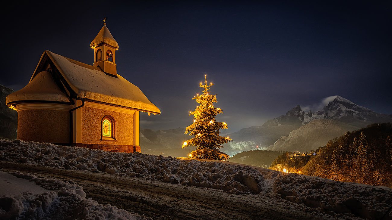 Winter in bavaria Architecture Christmas Tree Tree Travel Destinations Illuminated Night Winter Built Structure Christmas No People Spirituality Building Exterior Outdoors Nature Fuji Hanging Out Mountain Peak Taking Photos Scenics Fujifilm_xseries Beauty In Nature Hintersee Fujifilm Sky Cold Temperature