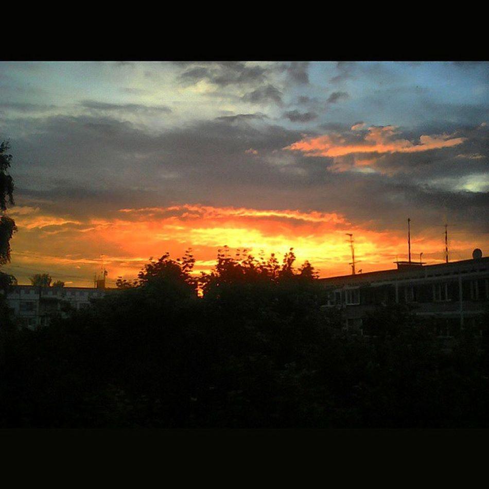 Закат АУНасВоДворе Sunset BeautyfulSunset SquareInstaPic