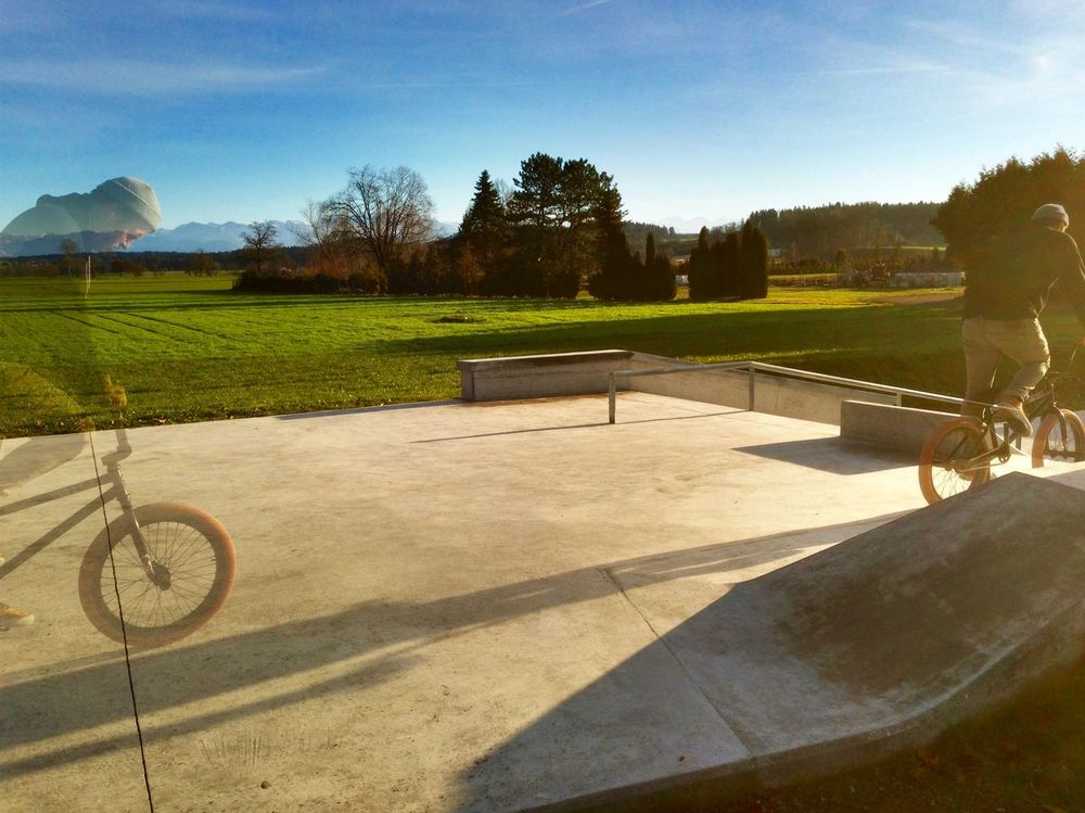Bench Bmx  Ghost Green Christmas HDR Outdoors Park Skaterpark Sunny Day