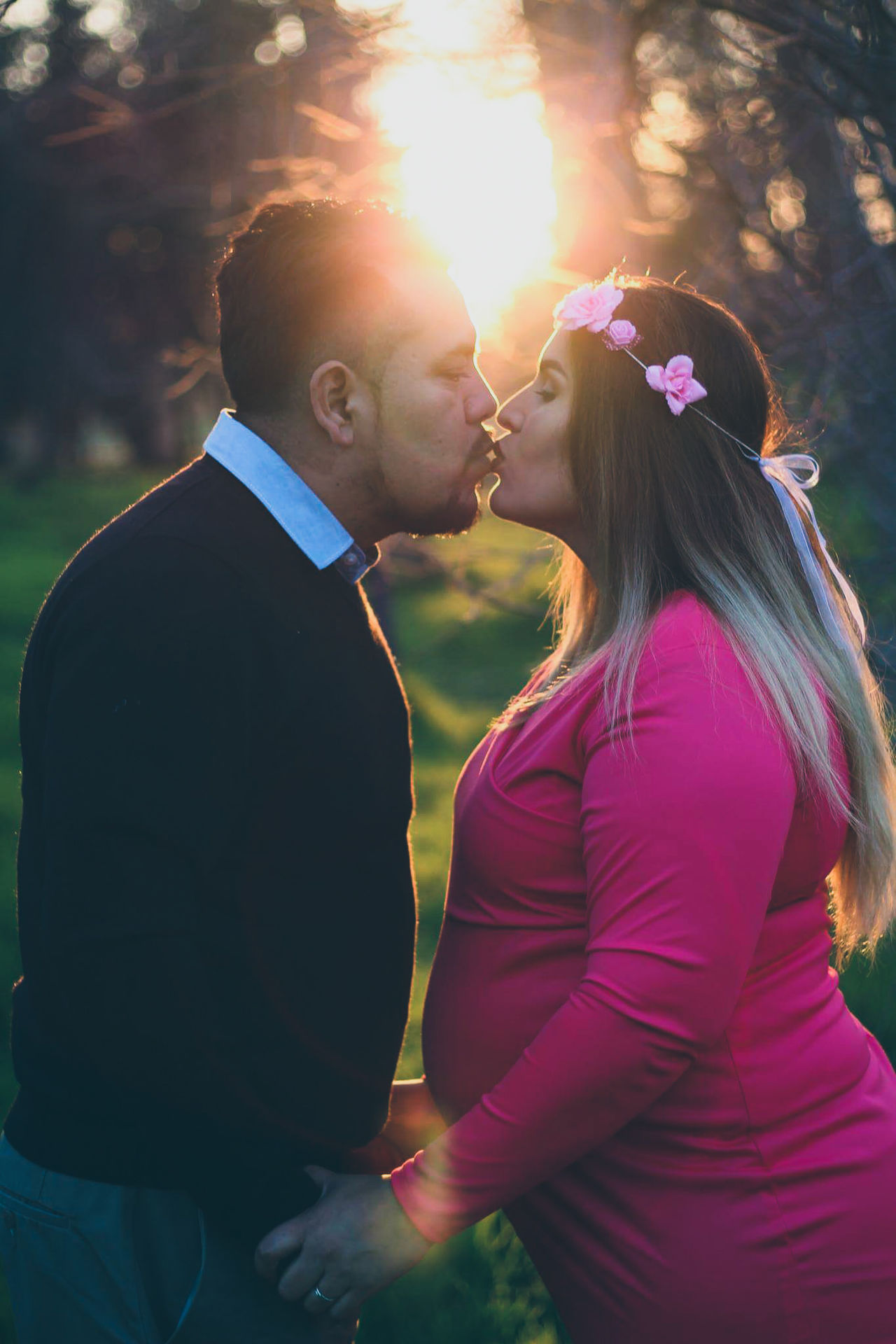 Lovecouple Happymarriage Golden Hour Goldenhourphotography Happiness Romance Goals EyeEm EyeEm Gallery Eye4photography  Eyeemphotography Eye Em Nature Lover Marriage  Love Portrait Photography Outdoor Photography Canon50mm18 Canonportrait Photooftheday Sunset Story Kiss Pregant