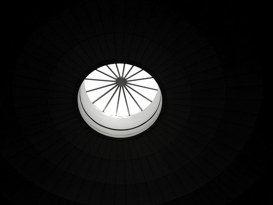 I saw the light. Indoors  Low Angle View Skylight No People Built Structure Dome Concentric Architecture Day Circular Light Source Black And White Black&white Black And White Photography EyeEm Best Shots - Black + White Rhode Island Photography⚓ Welcome To Black
