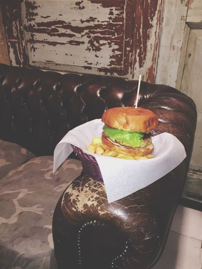 Perfect vegetarian burger hidden in the shape of a Meataterian one. Burgers Burger Padua Padova Meal Sofa Couch Old Old School