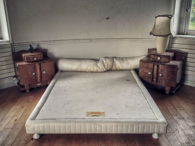Sofa Suitcase Indoors  Living Room No People Side Table Day Horizontal