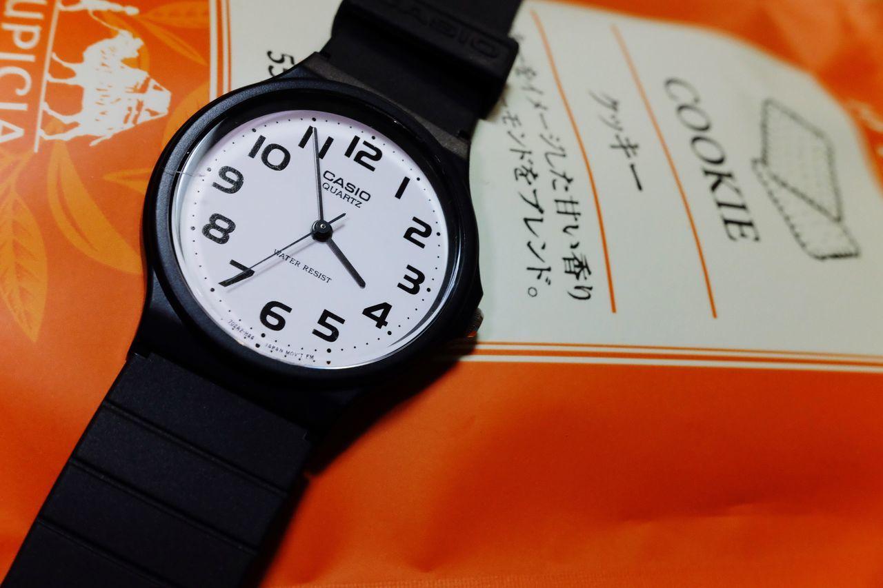 Time Clock Clock Face Casio Watch Casio Taking Photo 必要なモノって変わるんだなぁ😐