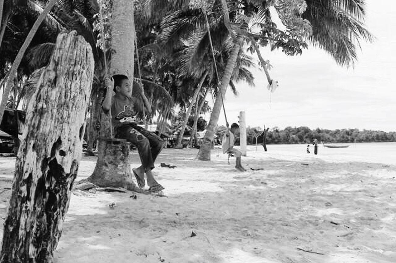 Cheerfulness 👏 Cheerfulness Cildren Happiness Swing Beach Artphotography Artistic