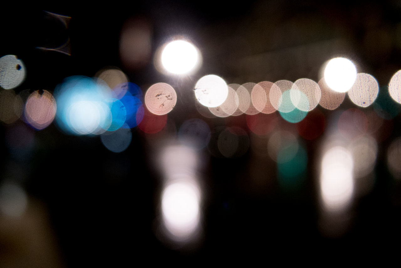 illuminated, night, lighting equipment, lens flare, light effect, defocused, no people, focus on foreground, close-up, outdoors
