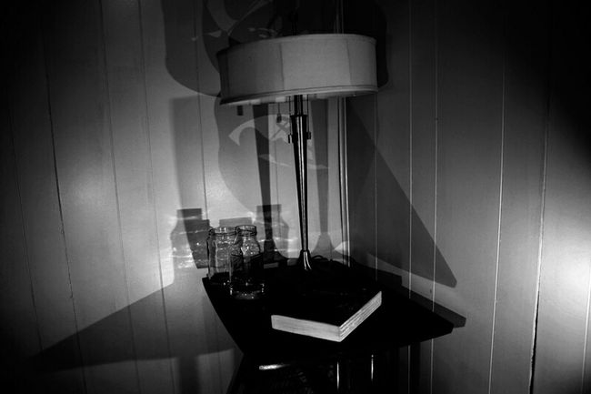 Light And Shadow Angles Film Noir Reading Table Night Photography Creative Light And Shadow