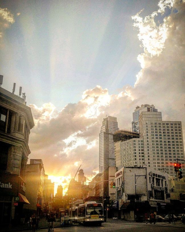 Hanging Out Taking Photos Check This Out Sunset NYC Photography Smartphonephotography NYC Downtown Brooklyn Brooklyn Cloudscape Clouds And Sky