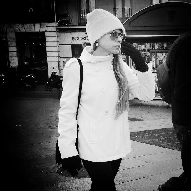 Winter Streetphoto_bw Woman Monochrome_life Bw_collection