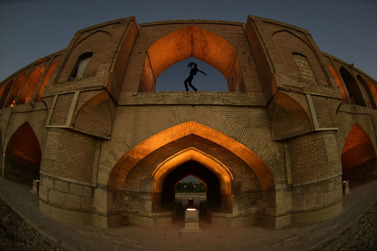 the historical stone bridge of 33 arches in isfahan, iran, september 15, 2016 Abbasi Arch Arches Architecture Architecture Bridge Built Structure Esfahan Historical Iran Safavid Seljuk Stone Bridge Structure Sun Sunlight Sunrise Sunset
