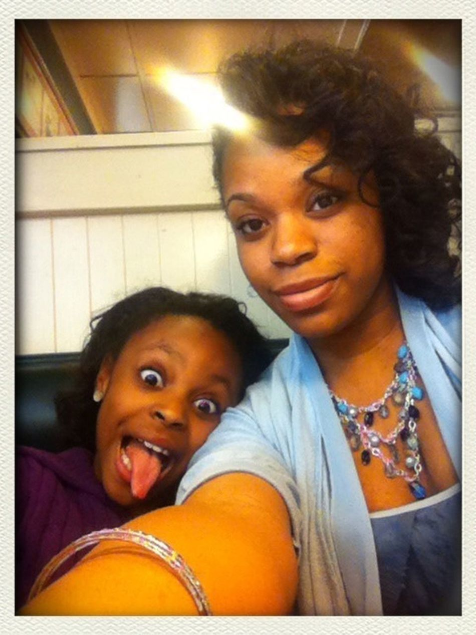 My sis play