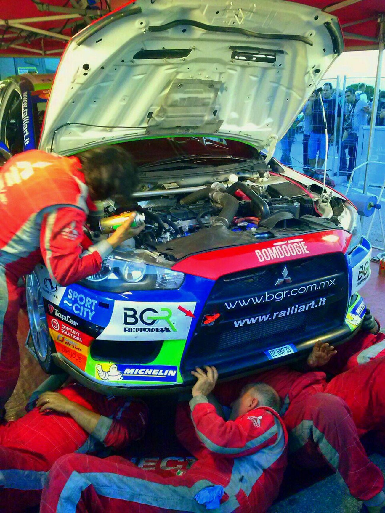 No hay tiempo...team work Taking Photos Wrc Championchip Popular Photos Rally Catalunya 2014