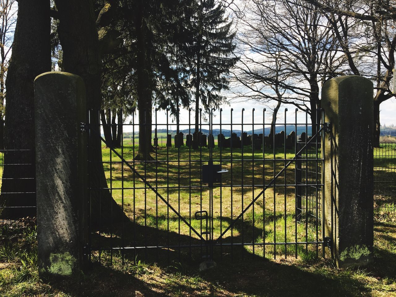Gate Gates Cemetery Photography Cemetery The Secret Spaces Cemetery_shots Cemeteryscape Cemetary Cemeterybeauty Mystery Mystic Secret Garden Secret Places No People Secret Spaces Secret Art Is Everywhere The Architect - 2017 EyeEm Awards