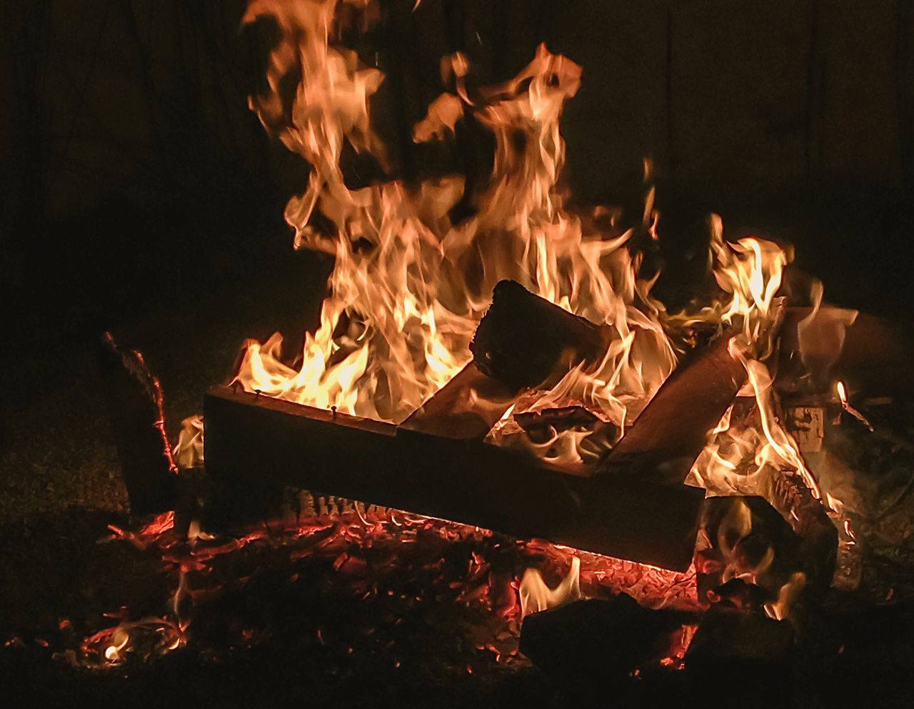 Flame Fire - Natural Phenomenon Burning Heat - Temperature Night No People Close-up Bonfire Fire Pit Outdoors Fresh On Eyeem  Eye4photography  EyeEm EyeEm Gallery Brazil Beauty In Nature Tranquil Scene Fire Pit Bonfire Burning Flame Light And Reflection