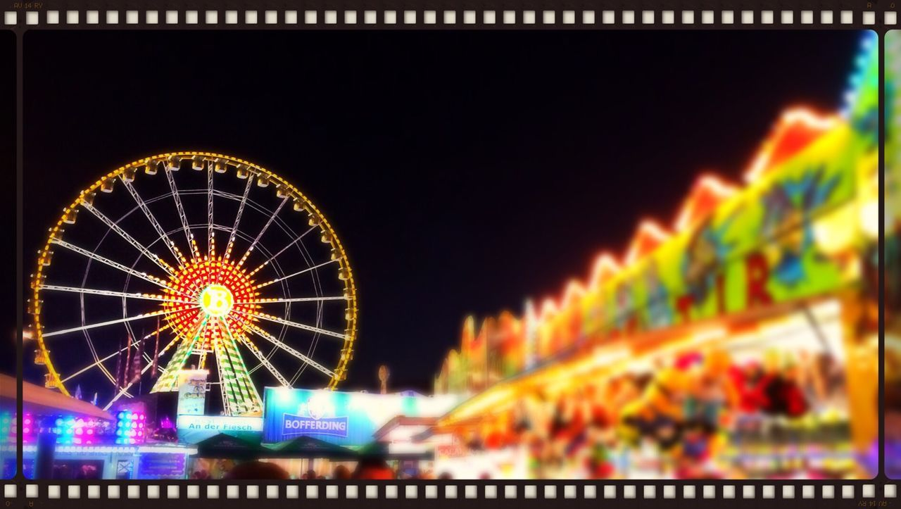 Having a great night and is not raining! Luxembourg Schueberfouer Funfair My Smartphone Life Showing Why I Could Be An Open Editor
