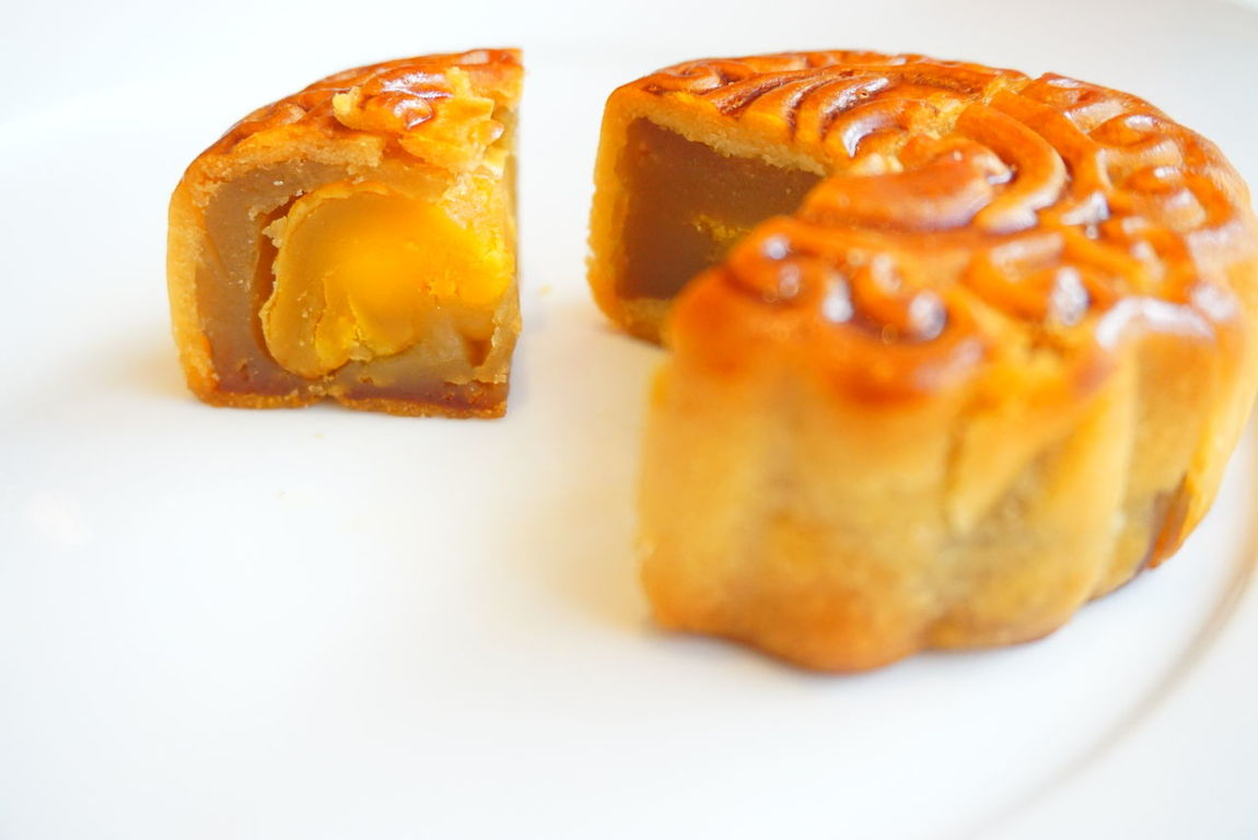 Baked Sweet Food White Background Food Bakery Bread Dessert Close-up Indoors  Cultures Eat Eat And Eat Mooncake Festival Comfort Food Sweet Pie Dessert Freshness Ready-to-eat Mooncake Plate Table Indoors Toasted Bread Bun No People Day