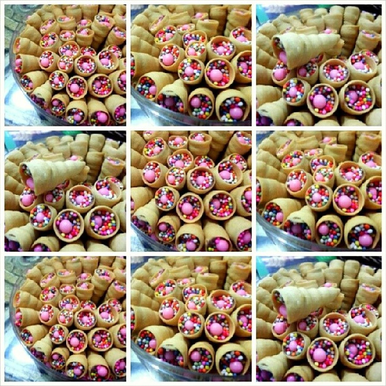 Dikirain mainan .. ga tau nya kue :)) Pink Cookies Sweet Chocochip foodporn nyemilnyemillucu udahahkebanyakanhashtah