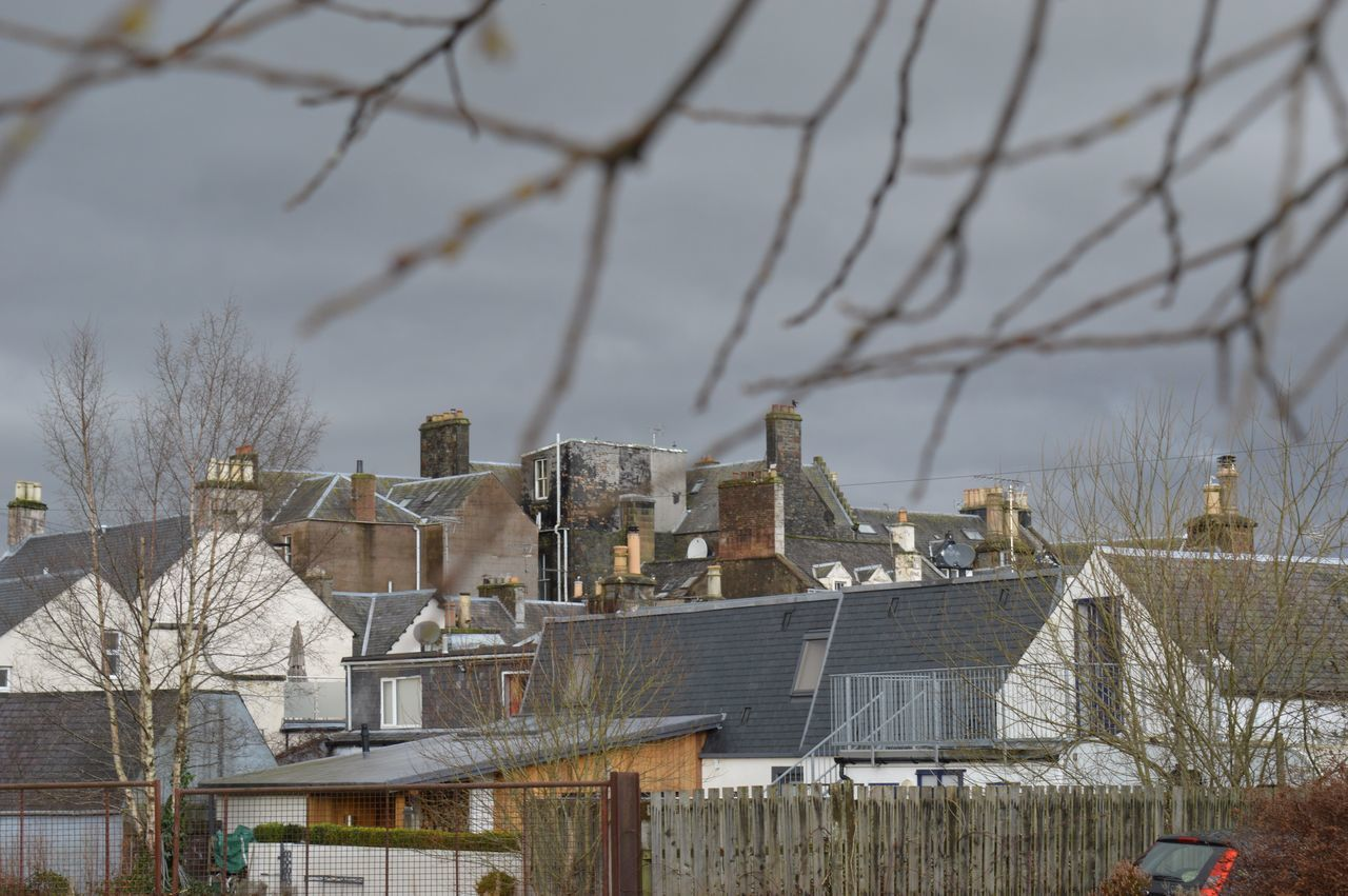 Architecture Building Exterior Day Exterior House Human Settlement Lookingoutside Outdoors Residential Structure Selective Focus TOWNSCAPE