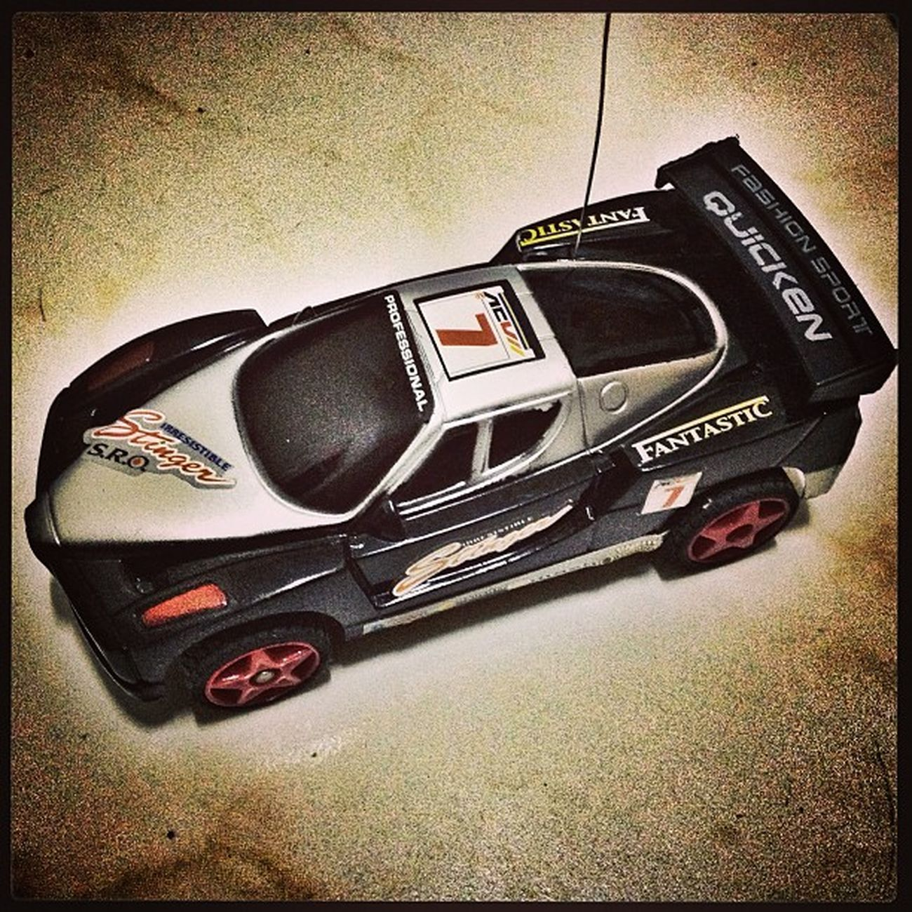 Baby Z's RC car. Past time ni papa. Hehe. 75Mhz Rastar Stinger. Speed RC Fast 75mhz