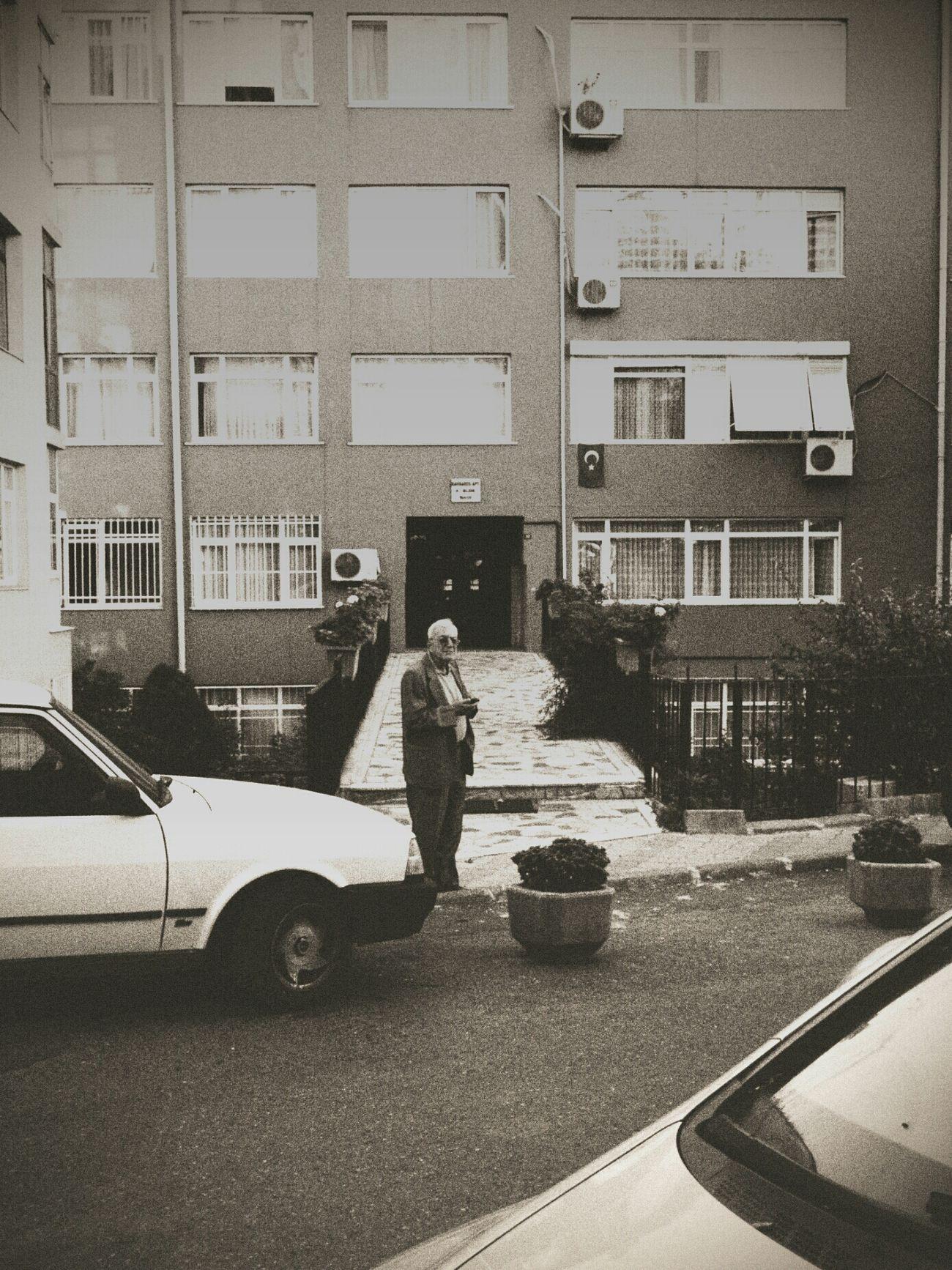strangers: visitor. istanbul, turkey. 2o12. Eye4photography  Streetphotography Bw_collection Streetphoto_bw