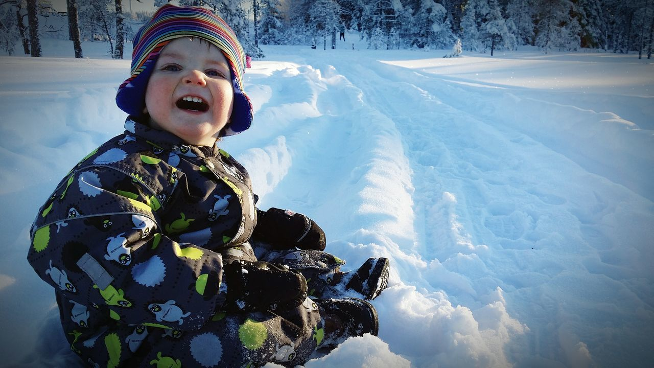 Snow Snow ❄ Skiing ❄ Sweden Dalarna Playing With Snow Childrenphoto Cold Winter ❄⛄