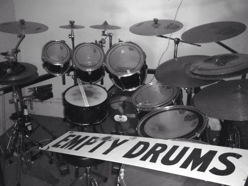 EMPTY DRUMS Drums Drumkit Drum Drumset Music Musical Instrument Text Sign No People Indoors  Black And White Blackandwhite No Budget Photography