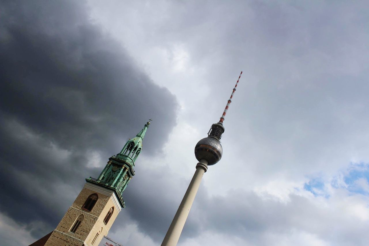 Capture Berlin Tvtowerberlin Lines Graysky Pointing Architecture Details Low Angle View