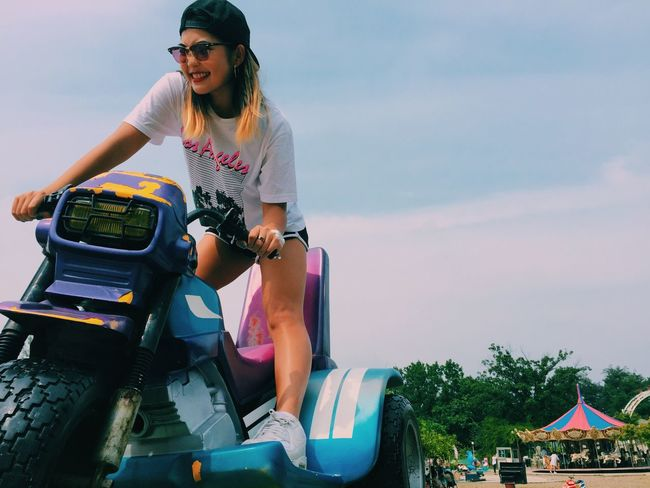 Bike Bicycle Gangsta Women Girl Human Person Fashion Street Korea Seoul Photo Photooftheday Phoyography Sky Summer Hot Park Theme Park Work Life Shooting Outfit Outdoors Casual Clothing Full Length Lifestyles Young Adult Cloud - Sky