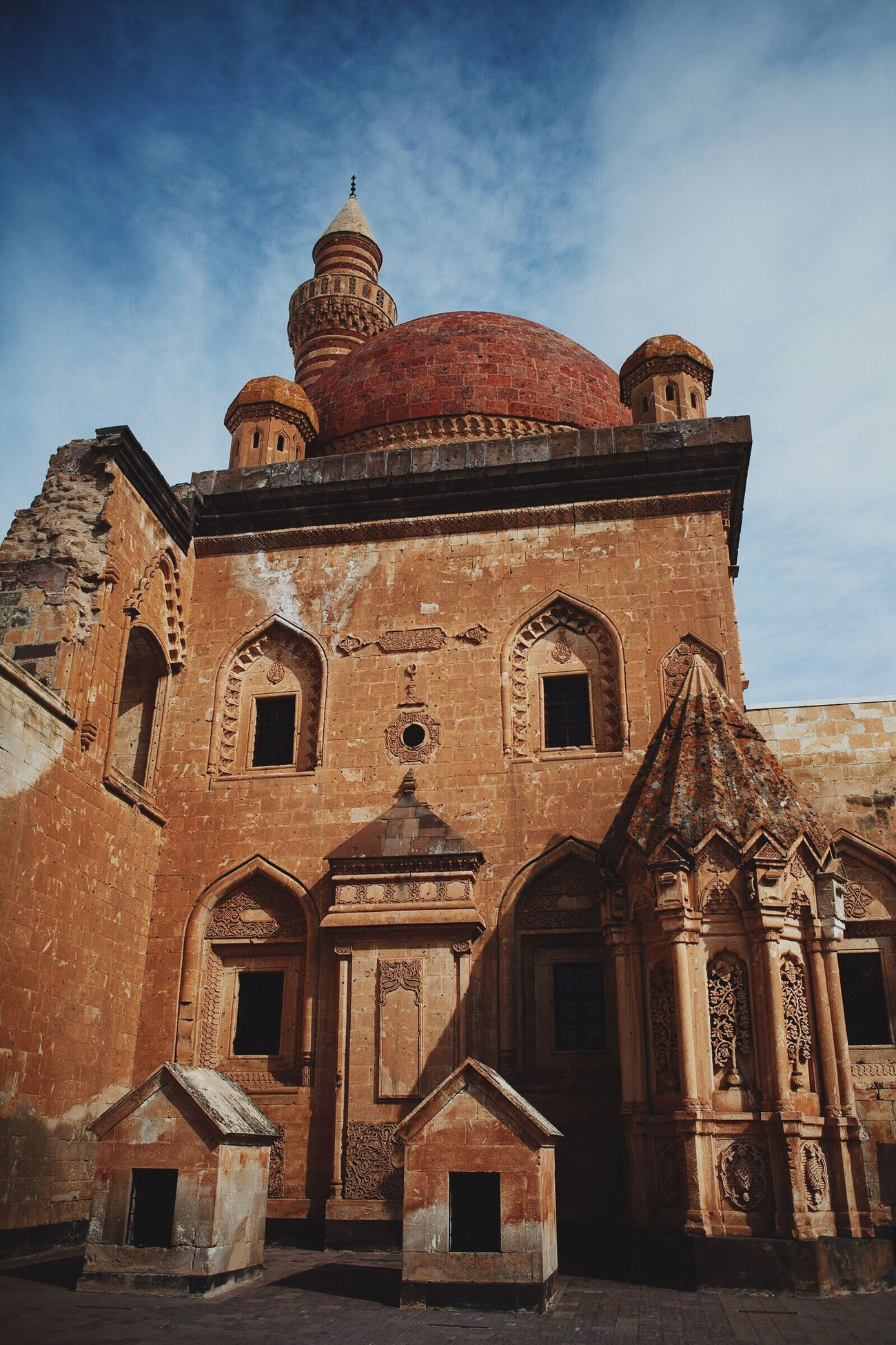 Architecture Building Exterior Built Structure Travel Destinations History Spirituality Outdoors Canon Doğubeyazıt Ishak Pasha Palace Ağrı Cultures Turkey 2017 Photooftheday EyeEm 28mm Tranquility Travel