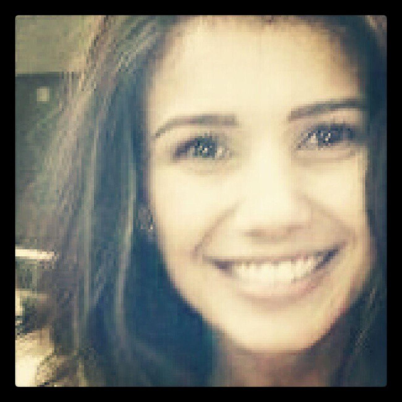 Lindaaaaaaaa! *-----* Existe sorriso mais lindo? E olhos mais lindos? Paulafernandes Vida Minha MeuSorriso MeuSol MeuAmor Linda Musica Sertanejo Brasil Beautiful Life Smile Music Brasil MPB My Love <3
