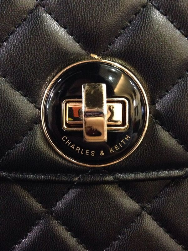 The brand of Charles & Keith EyeEm IPhoneography Charlesandkeith Taking Photos Followme VSCO Latepost Purse First Eyeem Photo Noedit