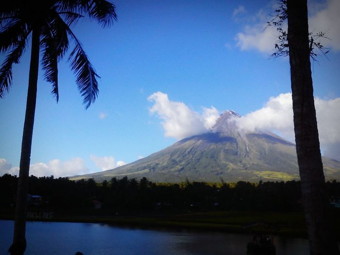 The perfect cone mount mayon Mountain Nature Beauty In Nature Scenics First Eyeem Photo