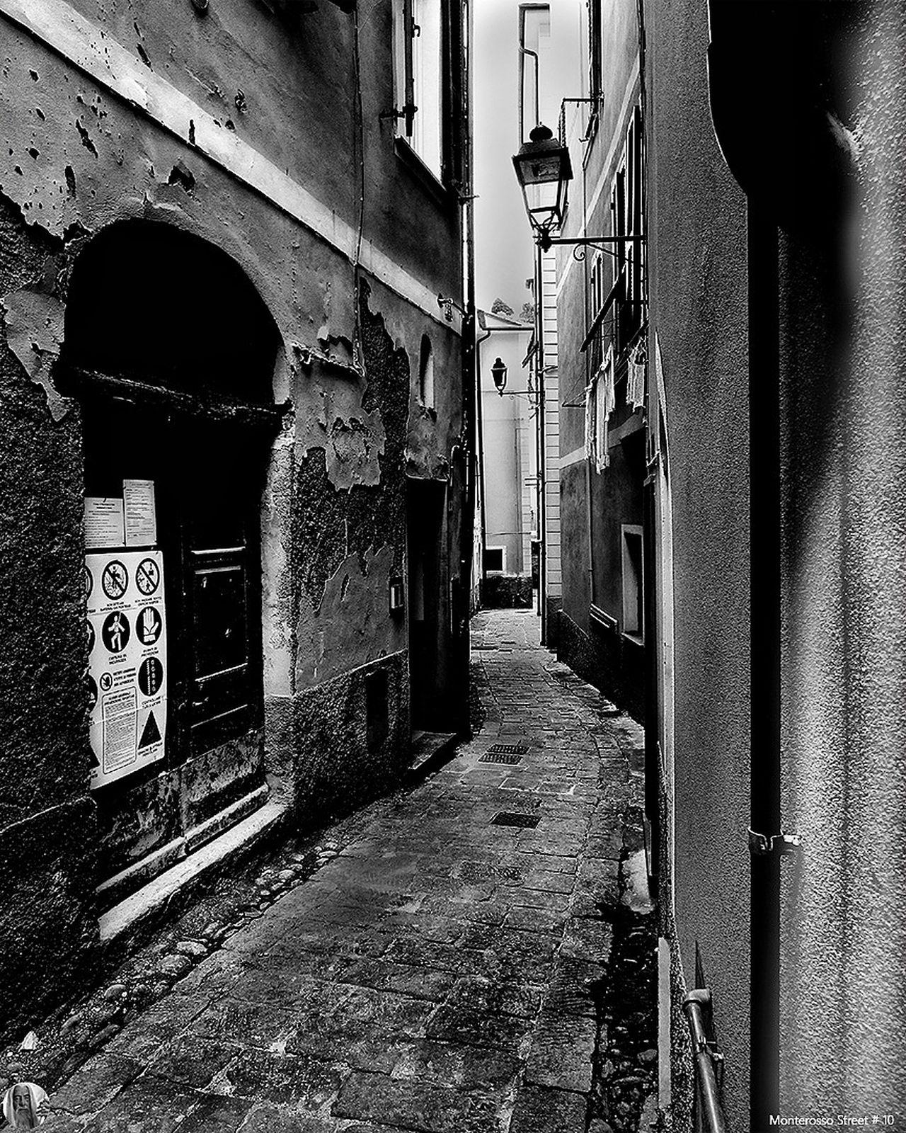 Monterosso Street City No People Blackandwhite EyeEm Best Shots - Black + White Eye4black&white  Bw_collection Black & White Street Streetphotography Streetphoto_bw Old Black And White