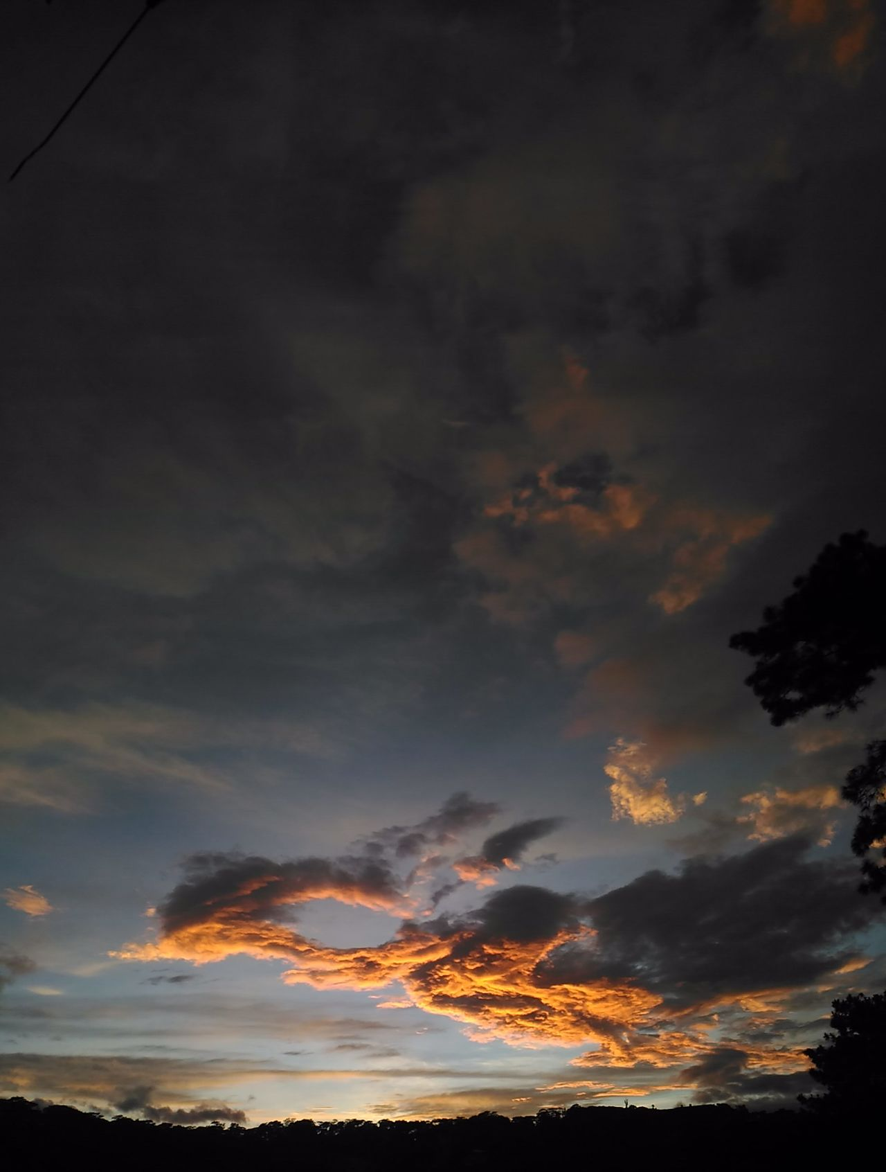 Baguio City Sunset Cloud - Sky Dramatic Sky Cloudscape Sunset Sunset_collection Sunset And Clouds  Sunsetlover Sunset_captures Sunset✨trees✨ Nofilter Eyeem Philippines Album Eyeem Philippines Nature