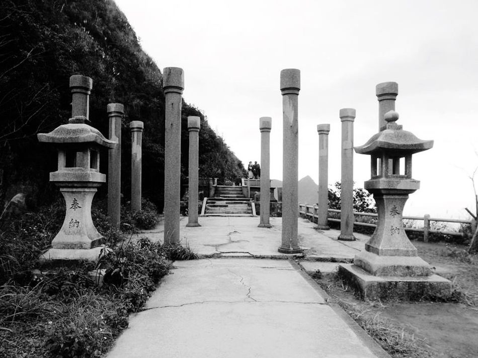 Taking Photos Check This Out 金瓜石 Streetphotography Hiking Temple Photography Gold Blackandwhite