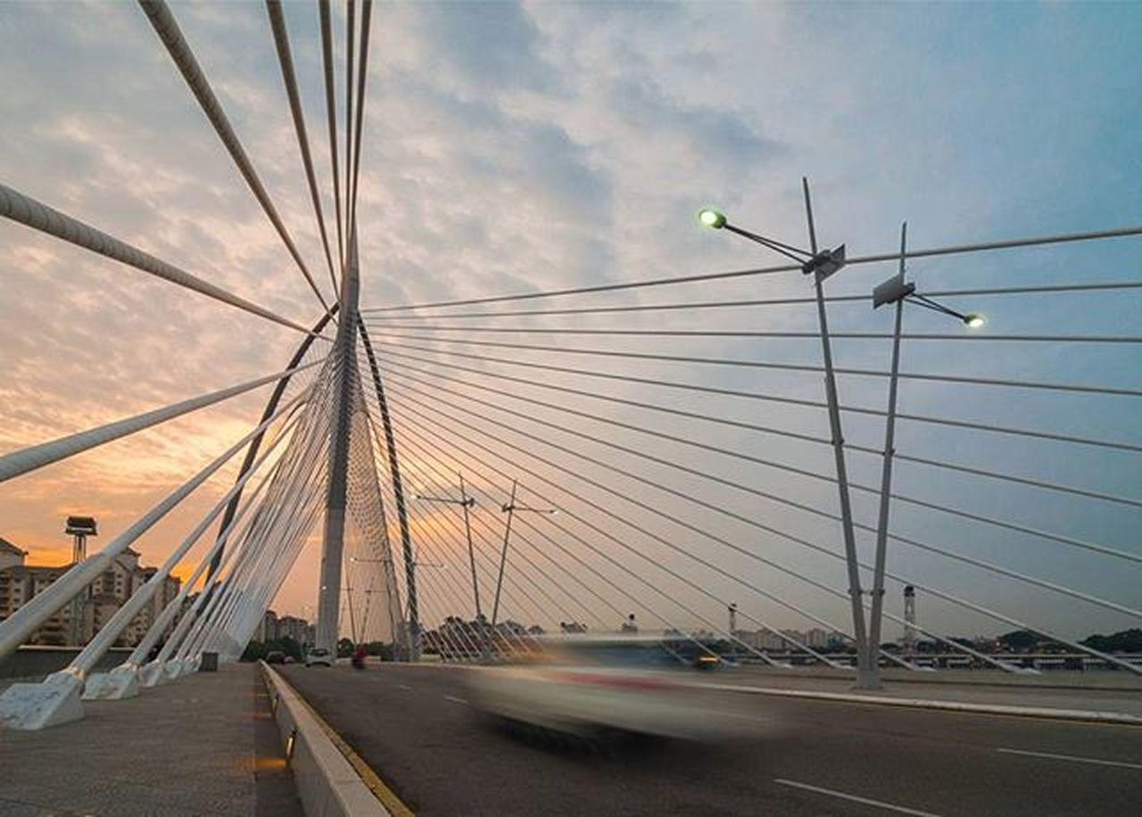 Seri Wawasan Bridge. Fotorewang Putrajaya Malaysia Magicpict Ordinaryday Ordinarybeauty Archweek Archweekend Adarchitecturebucketlist Chiarchitecture Architecture_hunter Architecture Archdailly Instagood Instadaily Bluesky Twintowers The_architect Light ASIA Beautiful Beautifulday