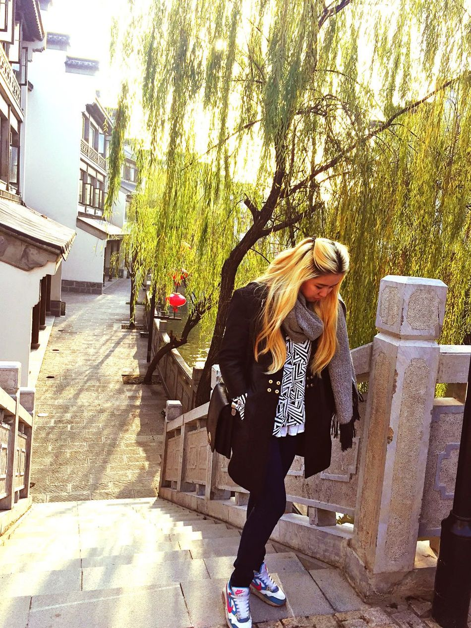 Today :) In The Old Sity Of Nanjing China Beauty Hello World That's Me Hanging Out Taking Photos Enjoying Life Relaxing Hi! Cheese! Students Weekend Showcase: December Walking With Friends Nanjing.China The Best Day