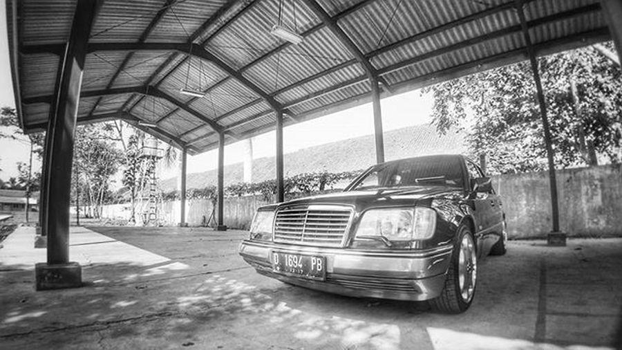 Mercedesbenz W124owner W124 W124bandung W124gram W124fanatic Mercedes Sportline Instacars Own_acc Car Carporn Mbcar Iphonesia Instasunda Insta_kaskus Ic_wheels Instago Photo_storia Fotonesia Ig_indonesia Instagood Monochrome Bw Bnw blackandwhite