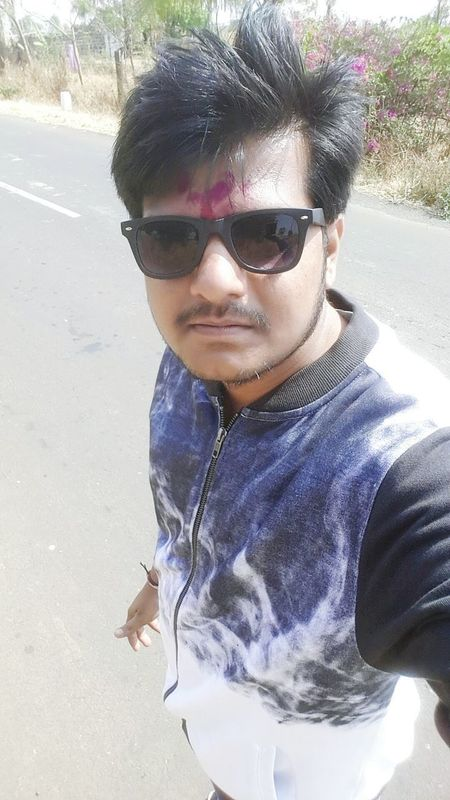 Selfie✌ Sunglasses Lifestyles Looking At Camera Handsome Hanging Out Felling Blessed Hello World My Smartphone Life Refreshment Taking Photos Check This Out