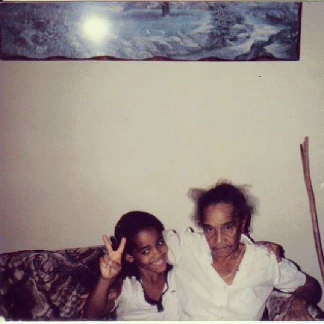 TBT  with Güela Reyna, may she rest in peace, LongTimeAgo  Gradnma i think that kid is not me.