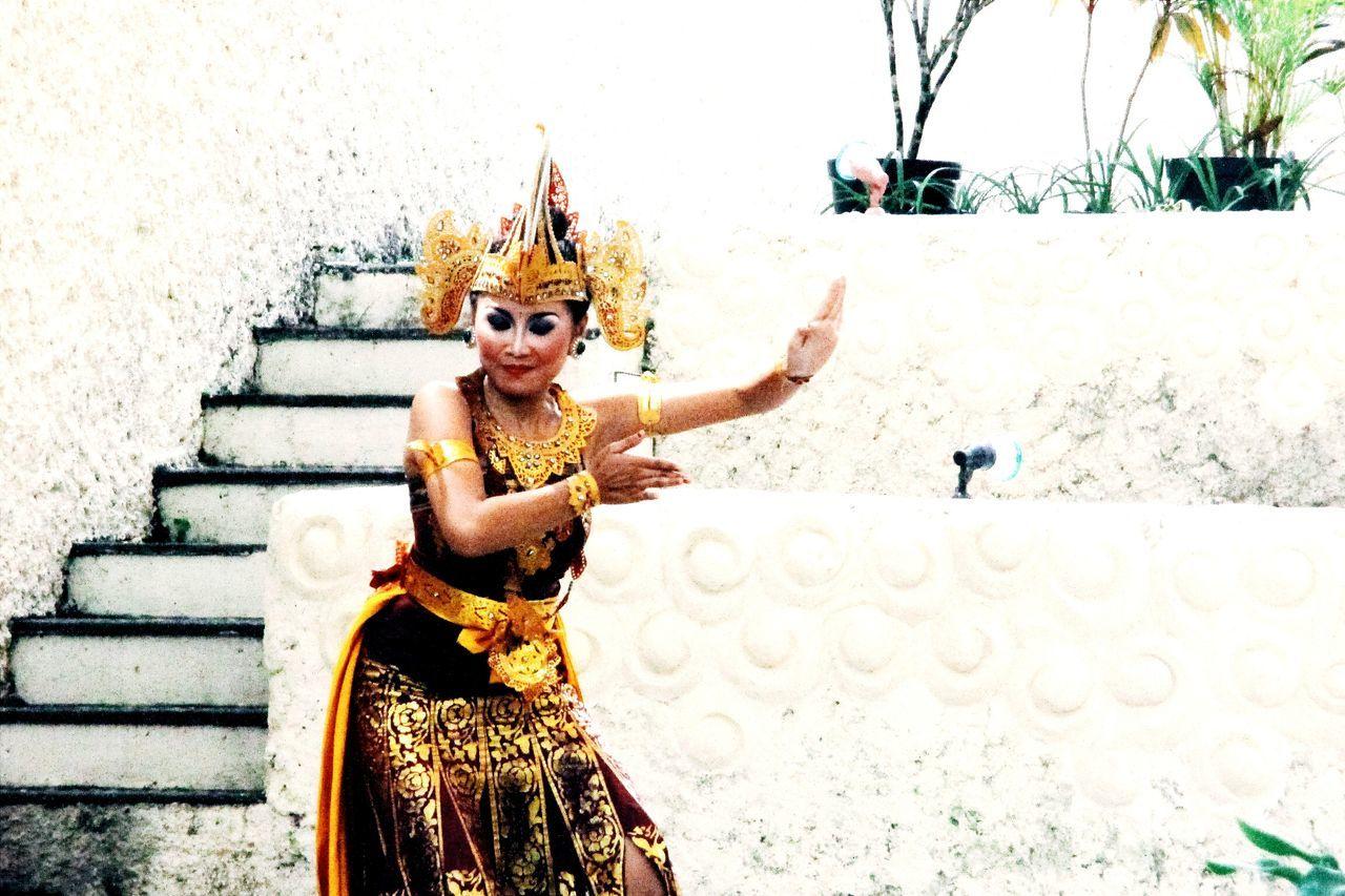 30 Weeks Ago 😊 GWK Bali Dancer Indonesia Culture INDONESIA Eyeemindonesia Indonesiakeren Hello World