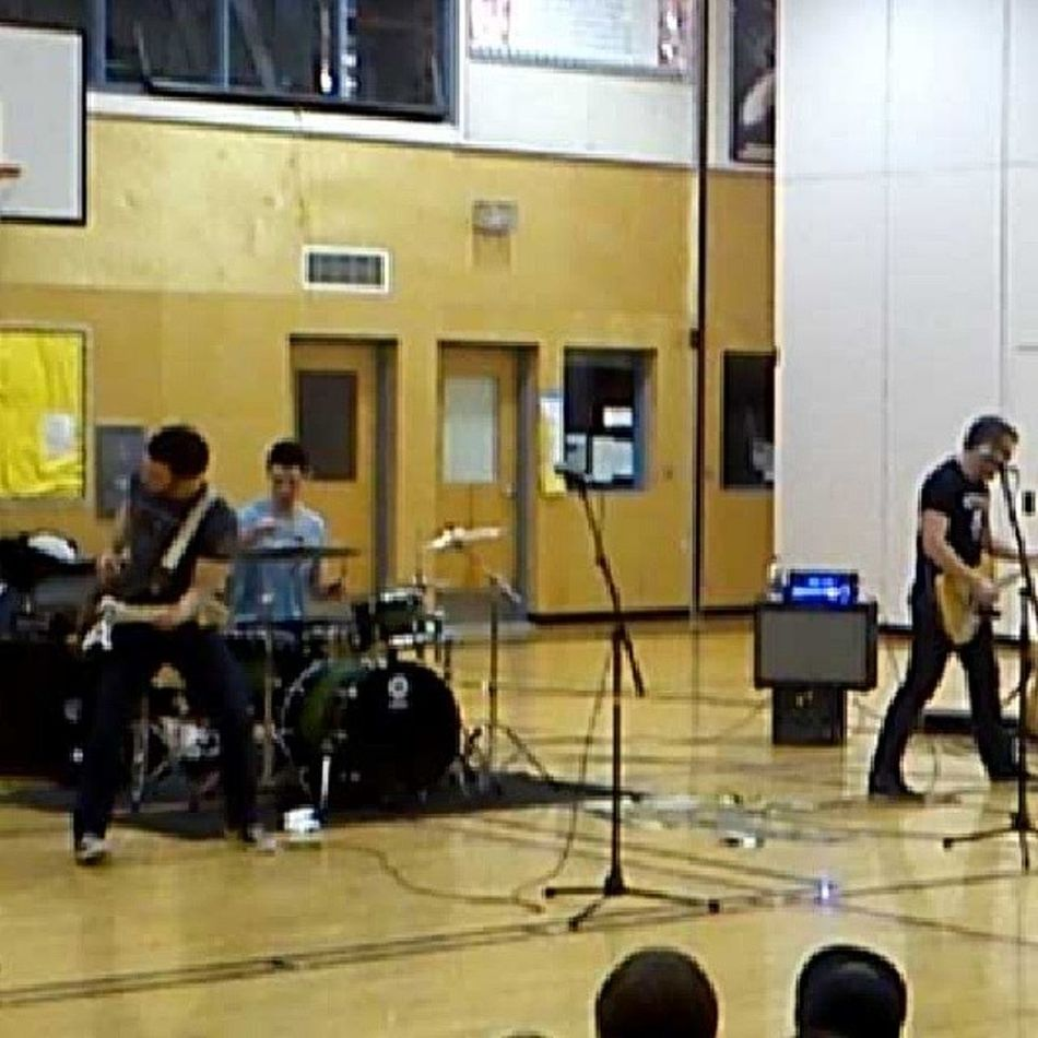 @speedcontrol awesome show today Band Amazing Performed School funny