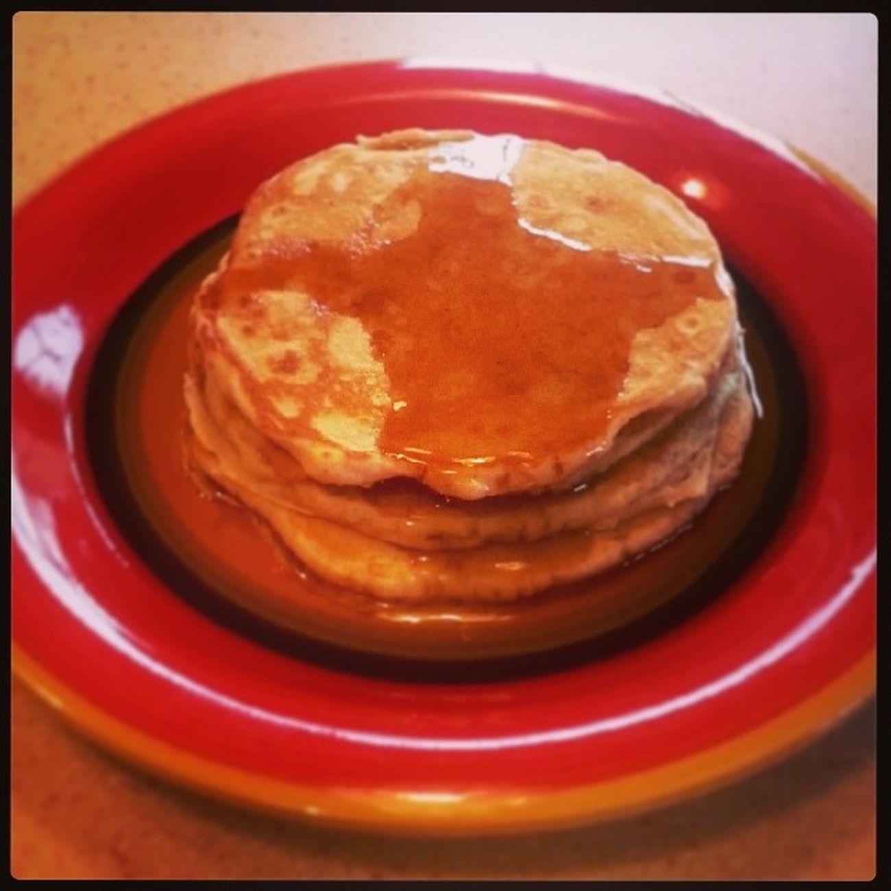 Who needs Ihop. Free pancake day at the Kelly's house lml. ImAboutToTearTheseUp KindaWishIHadIHOPTho NotGonnaLie
