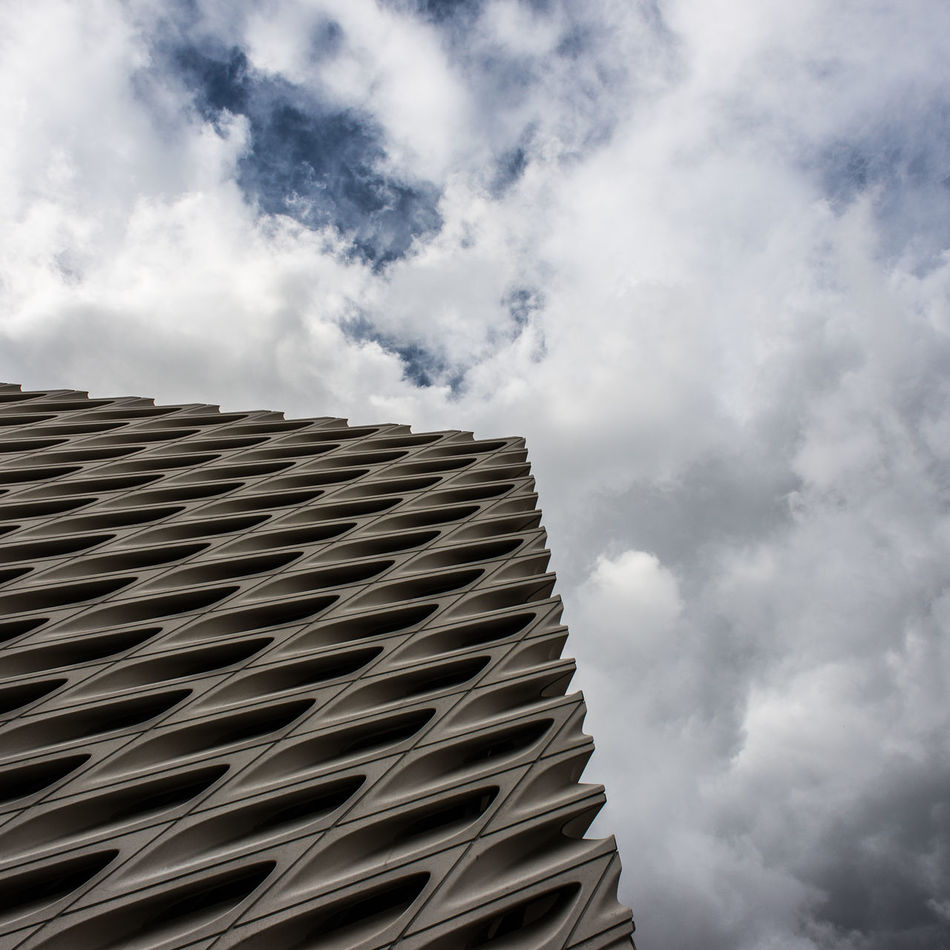 The Broad DowntownLA Losangeles Thebroad Nikonphotography Nikon Architecture Architectural Detail Imthe1will Clouds
