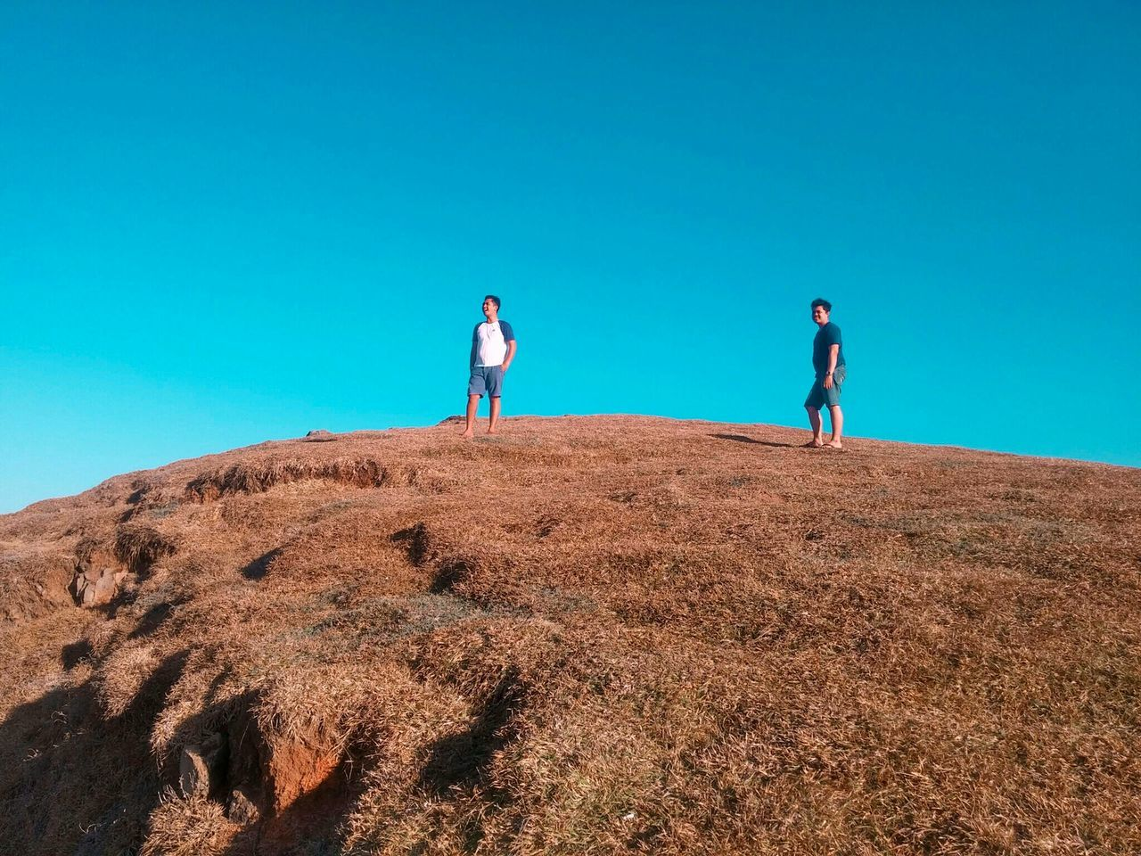 Two People Full Length Togetherness Blue Day Outdoors Sky Adventure BYOPaper! The Great Outdoors - 2017 EyeEm Awards Live For The Story