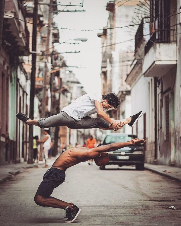 Don't wait for extraordinary common occasions and make them men wait for opportunities; strong men make them. Strong Men City Streetphotography Opportunities Extraordinary  Street Activity Exercising City Life Ballet Dancer Photography Beast Mode Great Performance